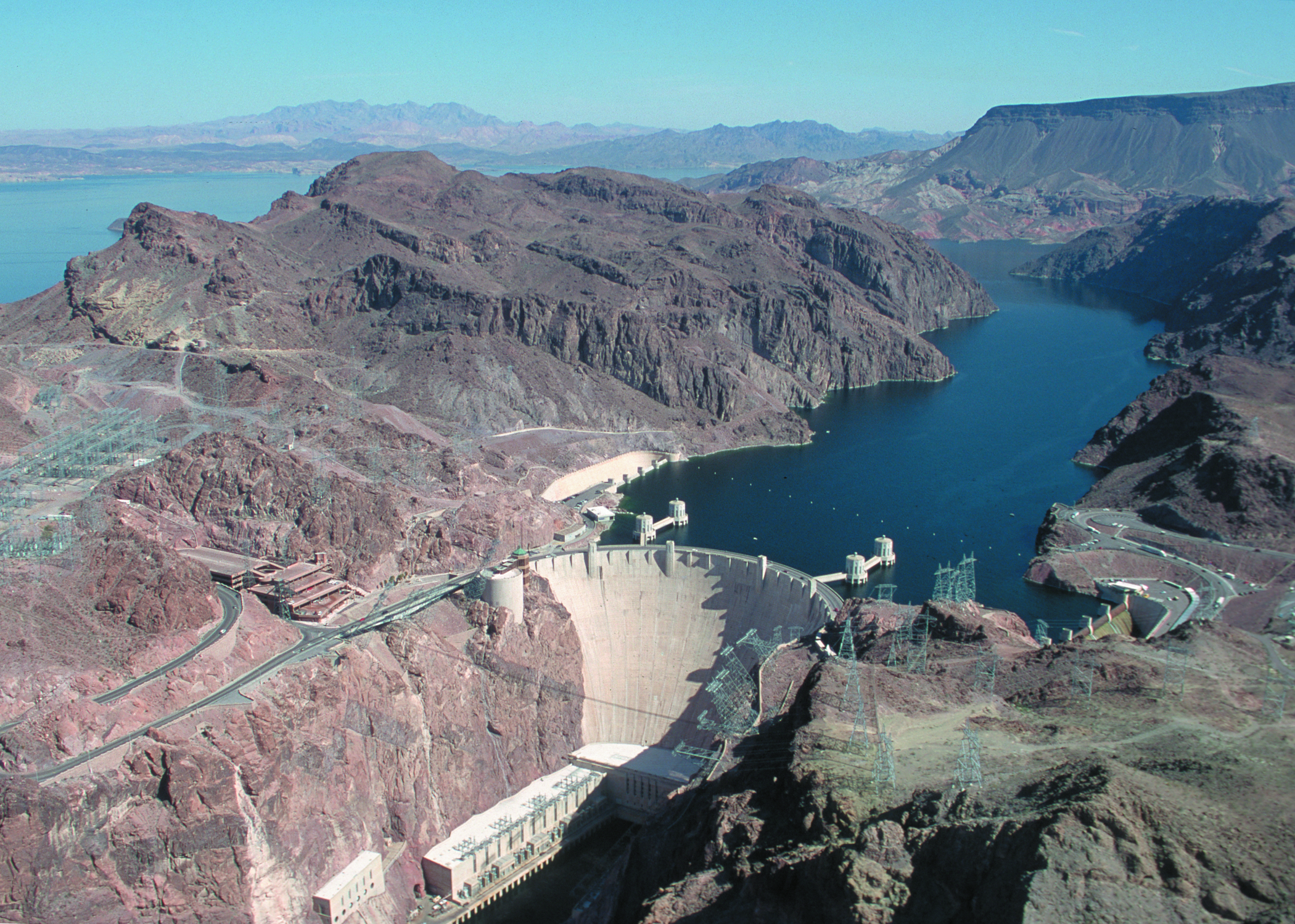 hoover_dam_ariel_view_things_to_do_in_usa