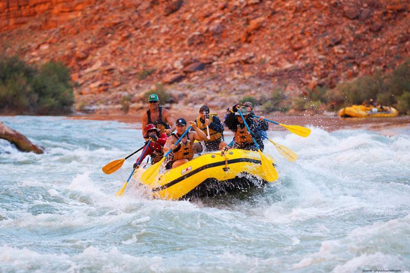 River-Rafting-at-Grand-Canyon