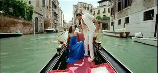 Bachana-Ae-Haseeno-in-Italy-(Venice)