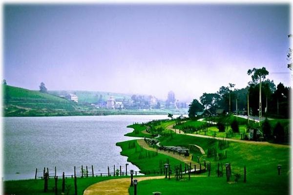 Gregory-lake-in-Sri-lanka