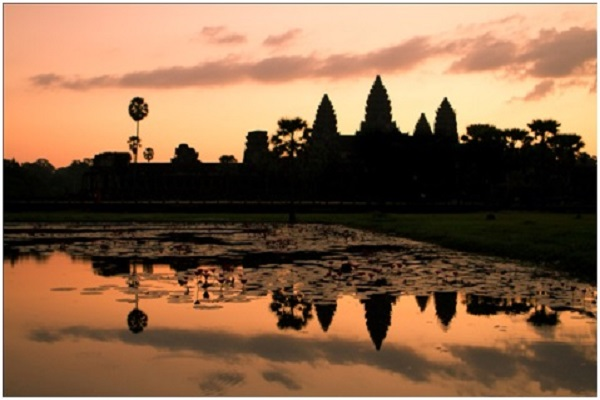 ANGKOR-WAT-AT-SUNRISE