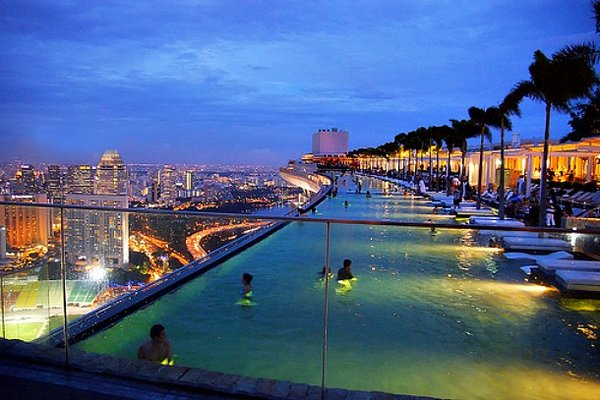 rsz_marina-bay-swimming-pool