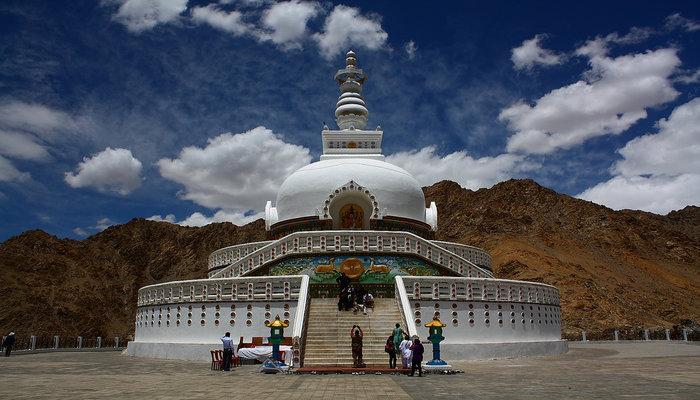 rsz_shanti_stupa