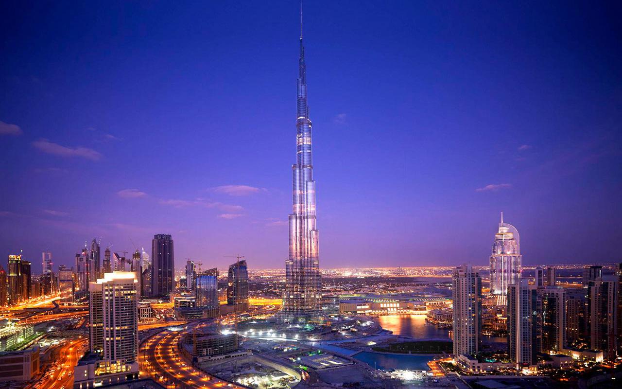 Burj-Khalifa-At-Night-Pictures