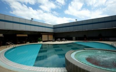 Take a dip at Changi Airport, Singapore - Flamingo Travels