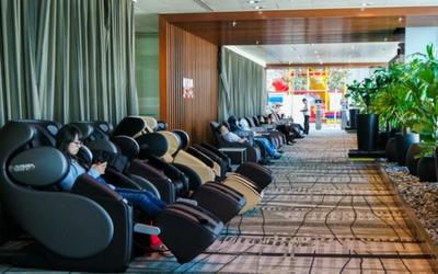 Massage Chair at Changi Airport, Singapore - Flamingo Travels