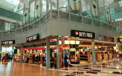 'Go shopping at Changi Airport, Singapore - Flamingo Travels